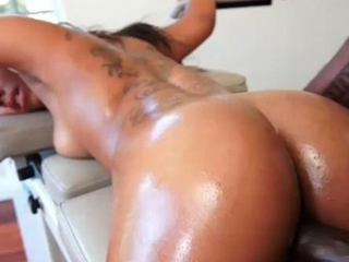 Leilani can't live without to get fucked on the sex chair
