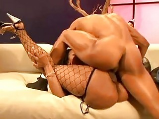 Dick loving ebony hottie in fishnet stockings does deep throat