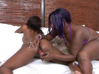 Bubble butted ebonies in hot lesbo act