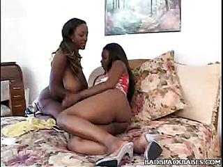 Lesbian Ebon 3some