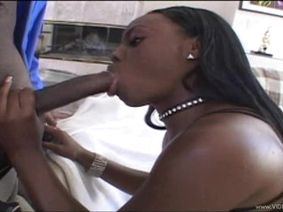 Racy Jade Fires wraps her juicy lips round this hard dick