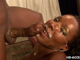 Ebony Kelly Starr Massive Facial!