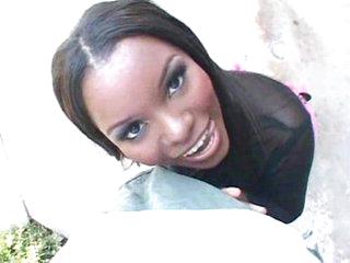 Stunning ebony cutie banging