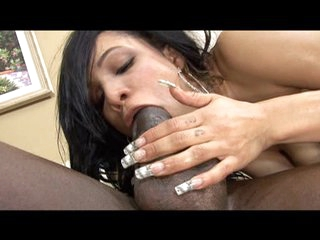 Shyla Haze gags on a big dick previous to a facial