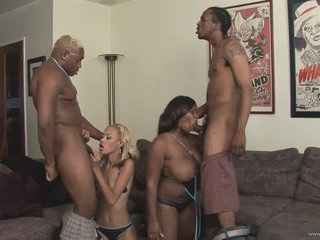 Babes Angel Marie & Skyy Black engulf on these pricks