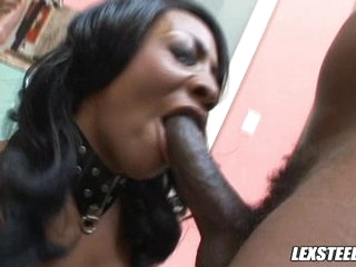 A big mouthful of dick makes ebony Sincerre Lemore grin from ear to ear